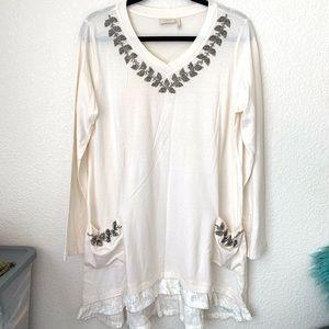 LOGO Lavish | long sleeve blouse